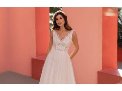 How To Choose The Perfect Wedding Dress Neckline