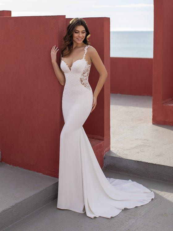 OKAPI. Wedding dress with very sexy sweetheart neckline and mermaid silhouette