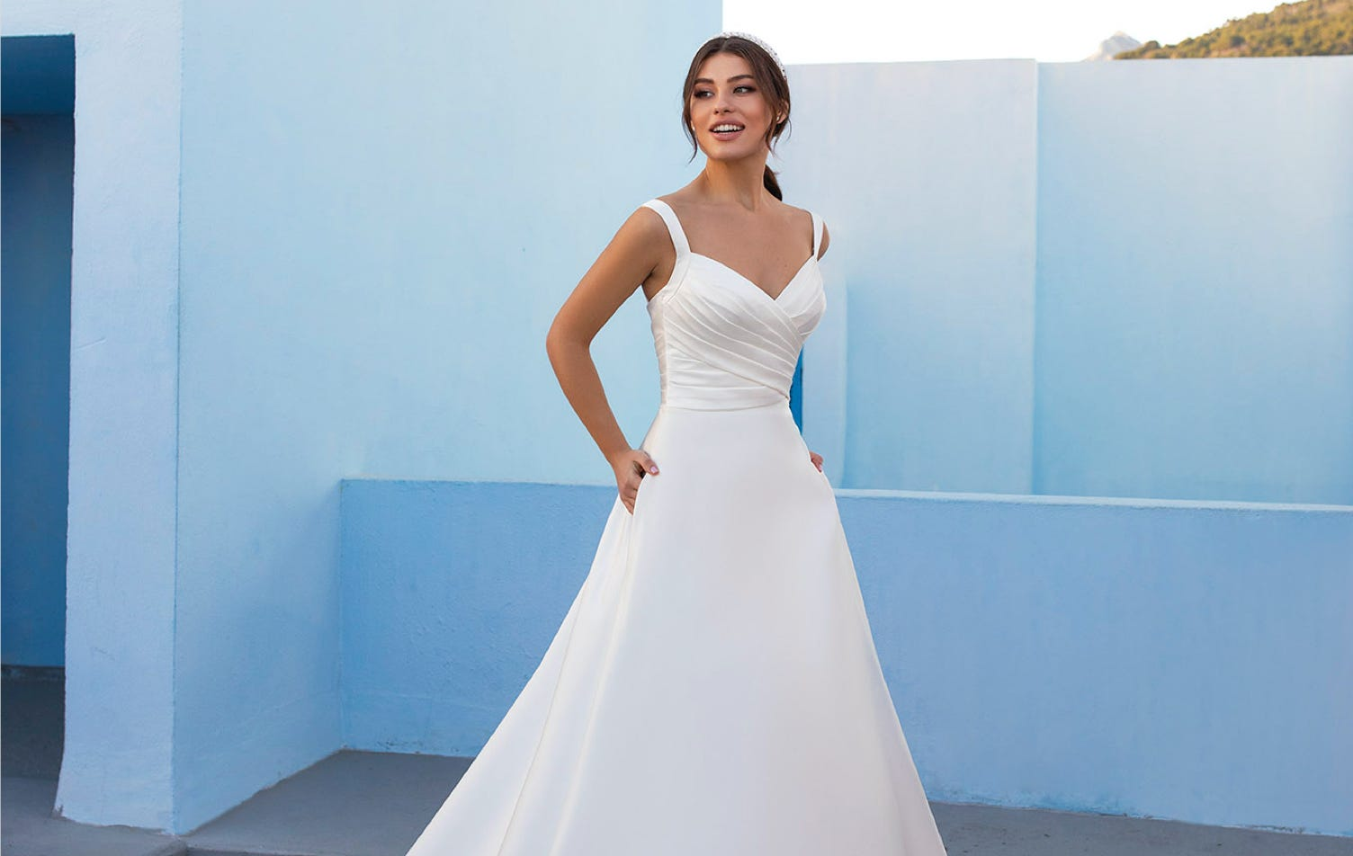 Know Your Wedding Dress Silhouette!
